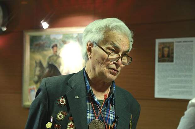 Владимир Николаевич бодрее и жизнерадостнее многих молодых.