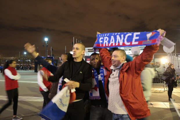 Стадион «Стад де Франс» в Париже: фотохроника очевидца событий во время матча Франция — Германия