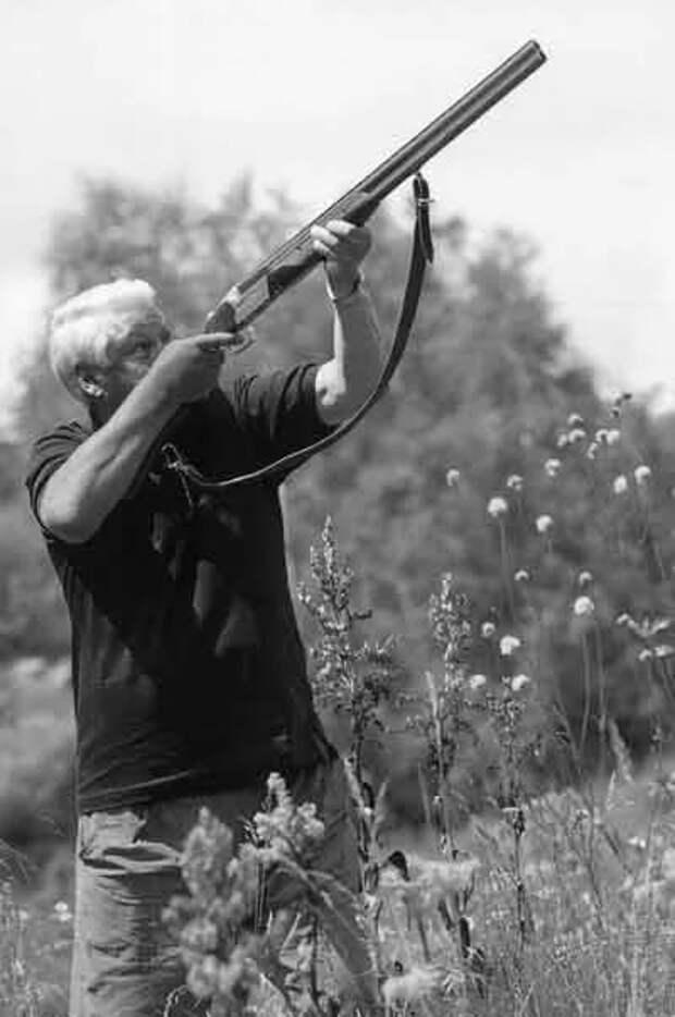 Ельцин и ружье.
