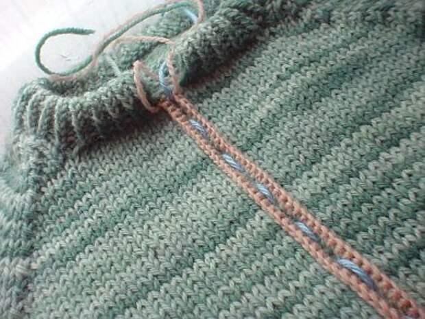МК - Как превратить свитер в кардиган.