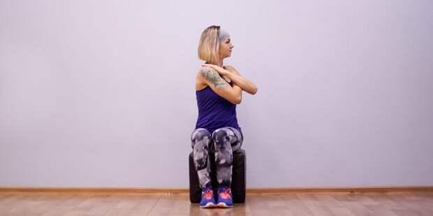 упражнения на гибкость: повороты корпуса