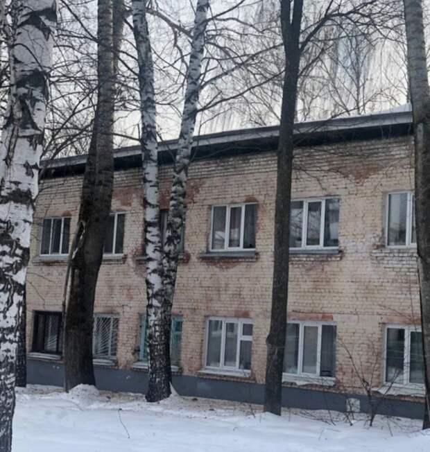 Жильцы дома в ижевском посёлке Машиностроителей, где ранее обрушилась крыша, вернулись в квартиры