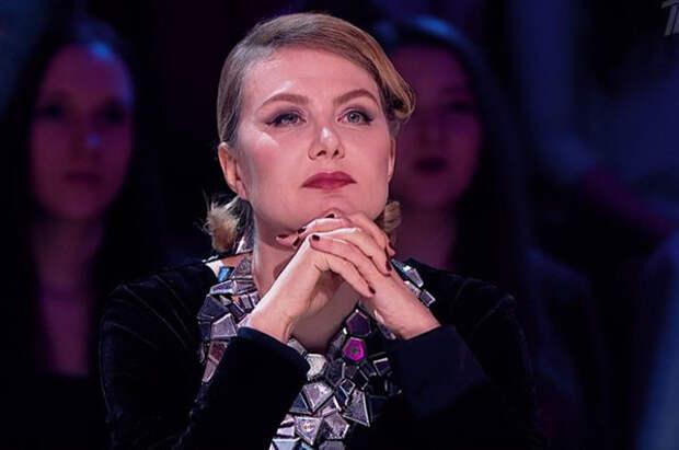 Рената Литвинова в новом образе многим поклонникам напомнила Пугачеву