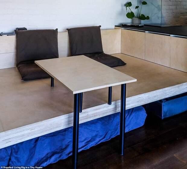 Архитектор превратил 28 кв. м. в потрясающую микро-квартиру, в которой есть всё для жизни