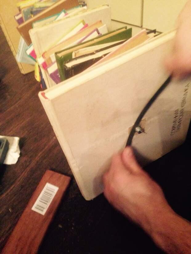 Когда клей просохнет отчекрыкиваем излишей шпильки, тот что остался сверху гаечки. своими руками, сделай сам
