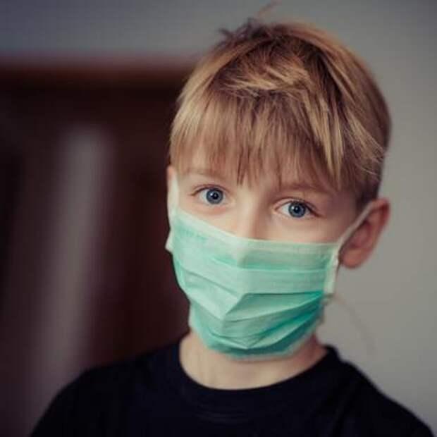 Детей назвали скрытыми переносчиками коронавируса