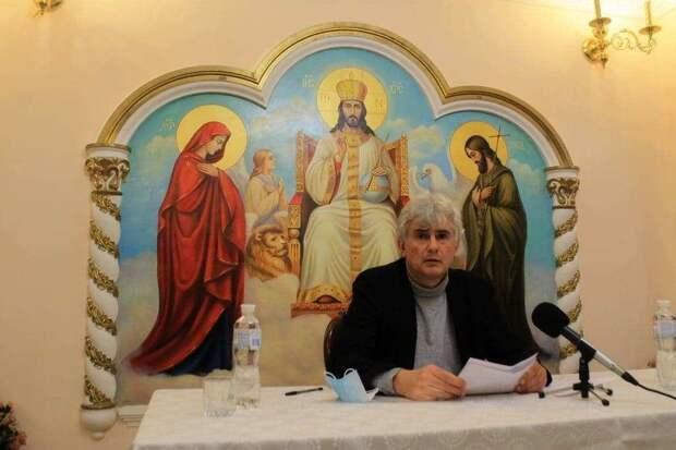 «Не украИнский, а укрАинский. Так правильно по-русски»: Лекция киевского историка поразила даже организаторов