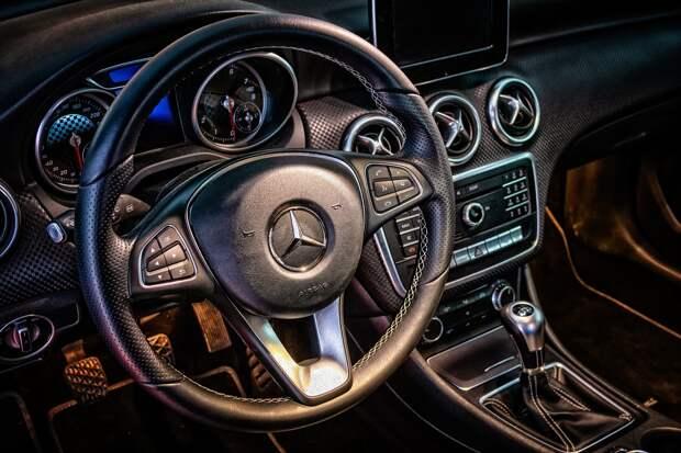 В Крыму мужчину осудили за продажу в интернете несуществующего автомобиля