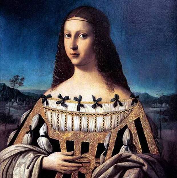 Из истории декольте: От платьев-калазирисов с голой грудью до современной высокой моды