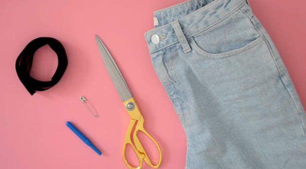 Гениальный способ уменьшения джинсов в поясе