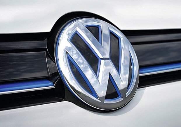 Volkswagen-e-Golf_2015_1280x960_wallpaper_30