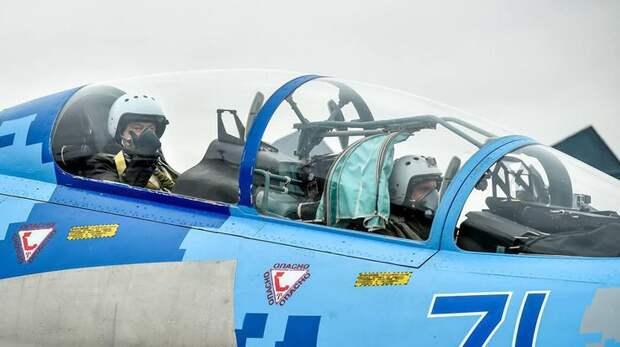Президент испытал модернизированный истребитель. Фото АП