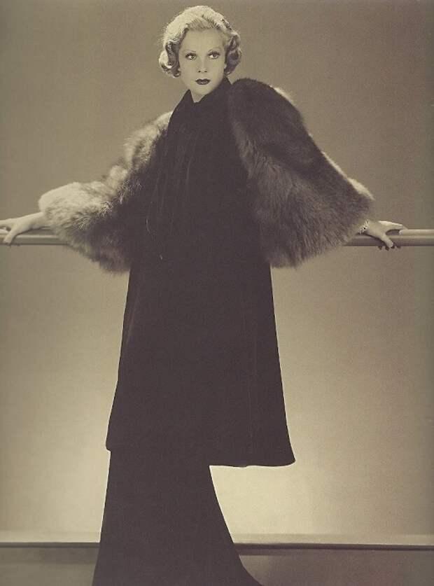 Русские манекенщицы 1920-х: Как красавицы-аристократки превратили ходьбу по подиуму в престижное занятие