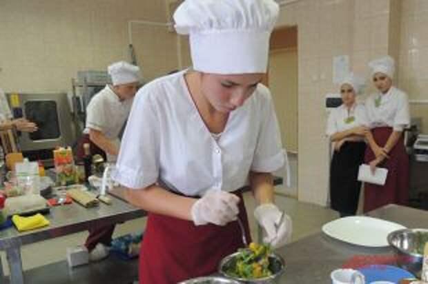 «Цезарь» не проходили: как обучают поварскому ремеслу современных студентов