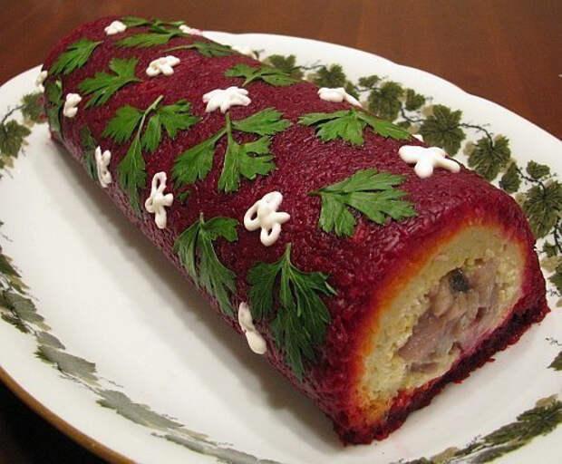 Сделай рулет из салата «Селедка под шубой» и порази гостей невиданным блюдом! Настоящие русские суши