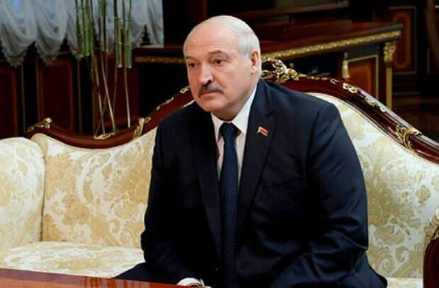 Лукашенко направили доработанные предложения по поправкам в Конституцию