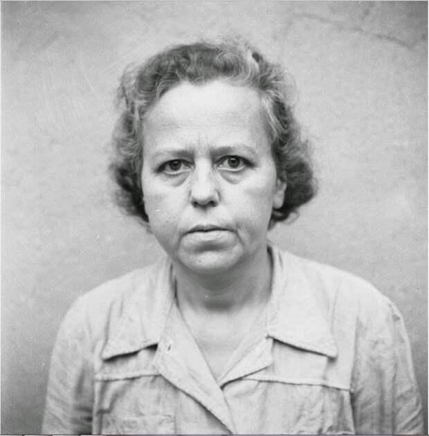 Гертруд Зауэр (Gertrud Sauer) (10 лет заключения)