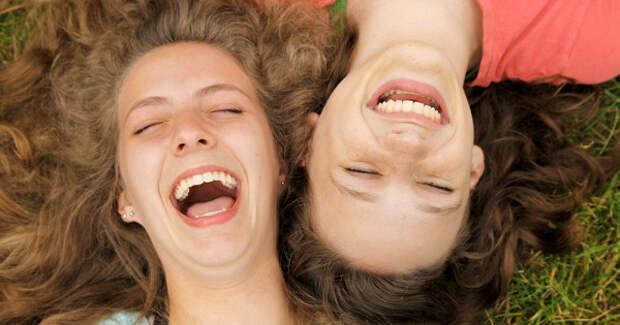 Психолог: Смех укрепляет иммунитет ипомогает бороться спростудами