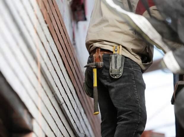Рабочие начали реконструкцию медклиники на 2-й Кабельной улице
