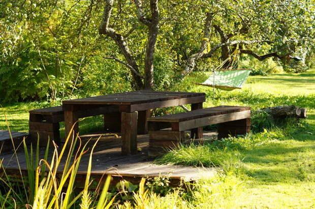Для отдыха и приема гостей стоит выделить отдельное место
