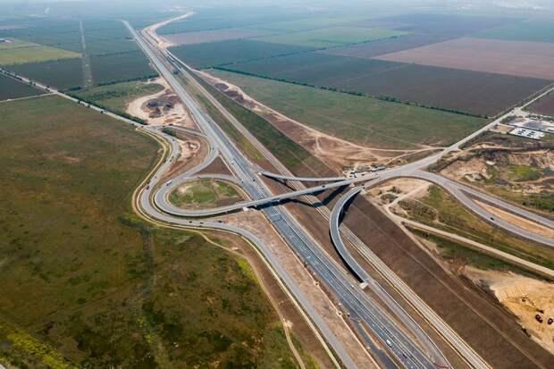Вид на развязку в начале Керченского моста с кубанской стороны. Фото Виталий Тимкив/ специально для «Новой»