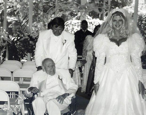 Свадьба Дж. Говарда Маршалла II и Анны Николь Смит, 1994 год  (USMagazine)