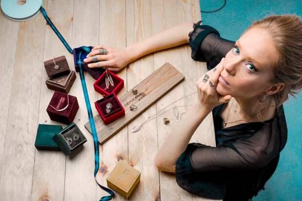 Ихочется, иколется: как правильно проколоть уши в домашних условиях