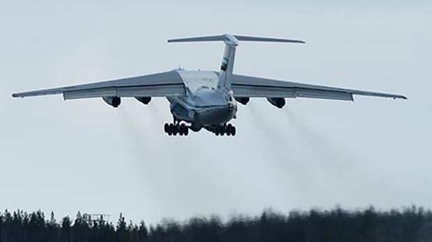 Уникальный и неповторимый: почему транспортнику Ил-76 нет равных