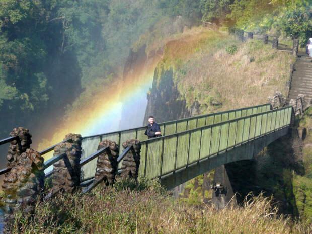 rainbow15 Радуга над самым большим водопадом в мире