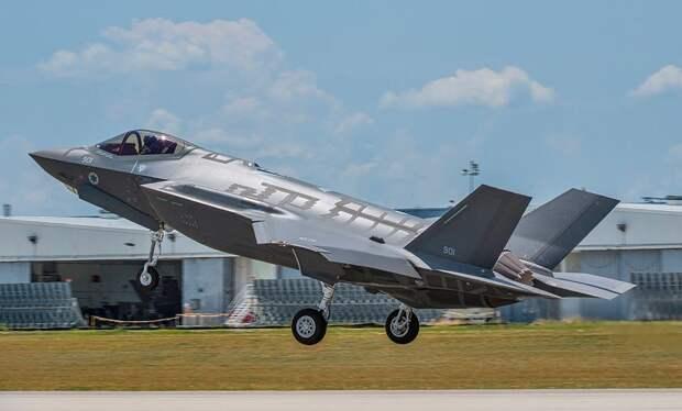ВВС Израиля объявили о начальной боеготовности парка принятых на вооружение истребителей F-35I «Адир»