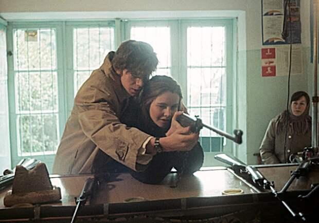 «Буквально силой затащил нас с Татьяной в постель»: Сергей Бугаев о работе на съёмочной площадке фильма «Асса»