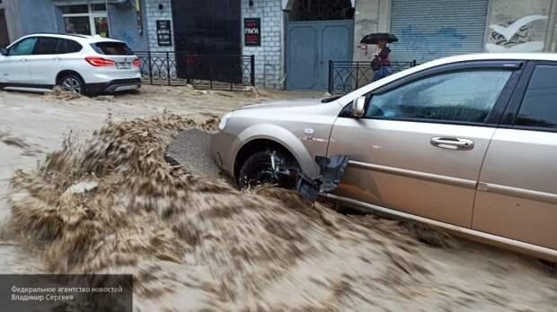 """Крымчанам рассказали, как и почем воскресить своих """"ласточек"""" после потопа"""
