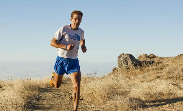 Мужчина пробежал 560 километров без сна и перерыва. Он бежал непрерывно 80 часов и 44 минуты