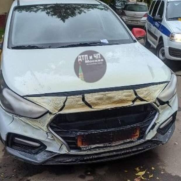 Из-за пожара контейнера на улице Демьяна Бедного пострадал автомобиль