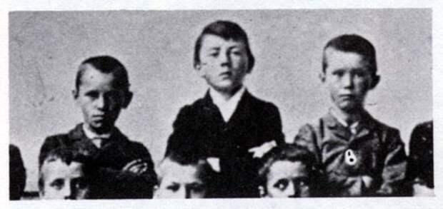 Гитлер в детстве интересно, история, фото
