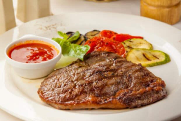 Как приготовить стейк из мяса и рыбы в мультиварке