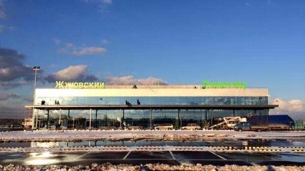Ил-78 с поврежденным шасси благополучно приземлился в Жуковском