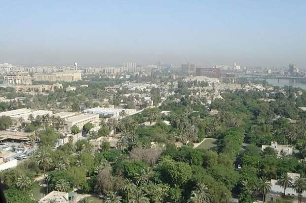 В Багдаде рядом с посольством США упали четыре ракеты