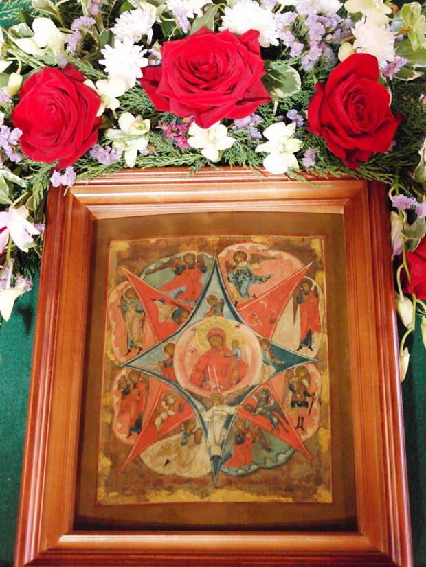 17 сентября отмечается праздник иконы Божьей Матери, именуемой «Неопалимая Купина».