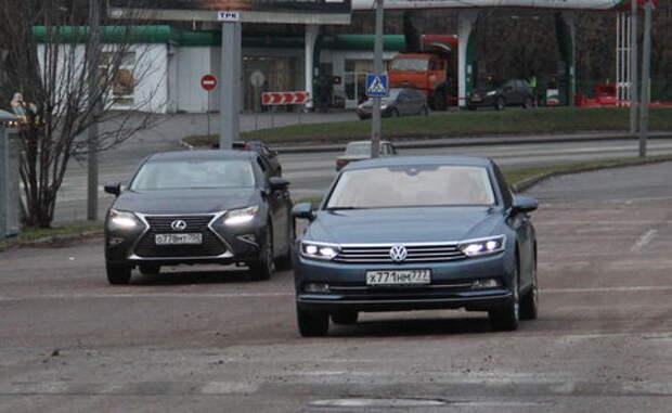 VW Passat или Lexus ES 200? Стартуем с места