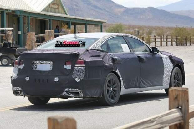 Hyundai-Genesis-Sedan-Turbo-Spied-for-the-First-Time-9
