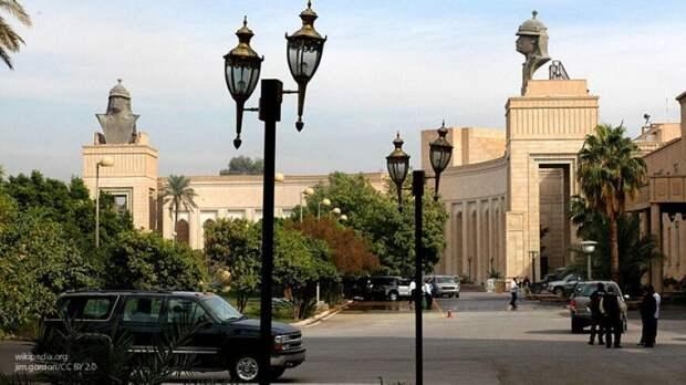 Реактивный снаряд упал возле посольства США в Багдаде