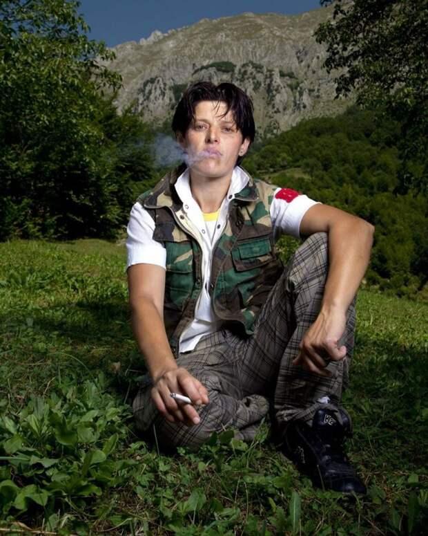 7 фото бурнеш — албанских женщин, которые добровольно решили стать мужчинами