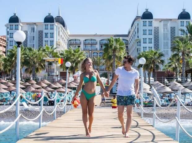 Отели Турции начали давать скидки привитым туристам