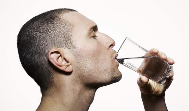 4 мифа о воде, верить в которые нужно прекратить немедленно