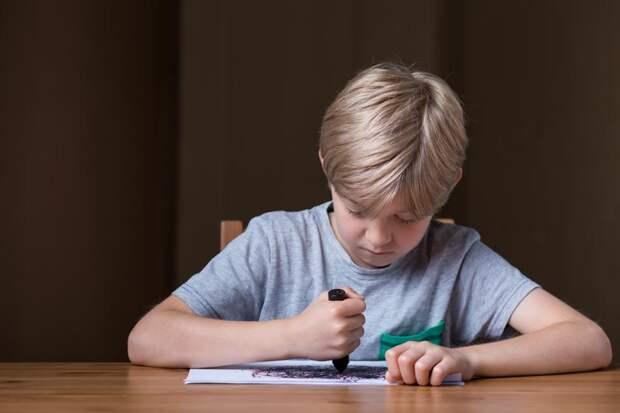 Сигнал бедствия: как по поведению ребенка понять, что в его семье есть проблемы
