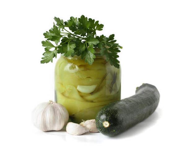 Салат из кабачков с яблочным соком