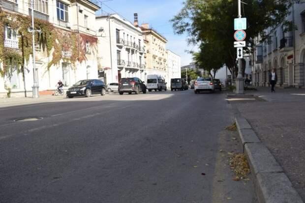 Дороги в трёх районах Севастополя убираются так себе