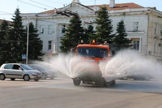 Улицы Крыма и Севастополя «под шампунем»