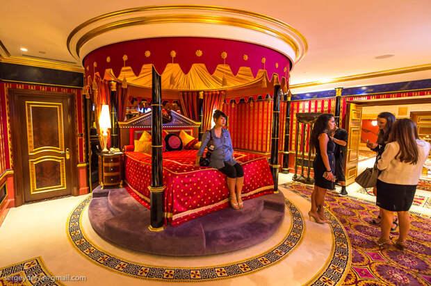 Есть ли золотые унитазы в Бурдж Аль Араб?